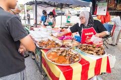 Τρόφιμα οδών bazaar στη Μαλαισία που ικανοποιεί iftar κατά τη διάρκεια Ramadan Στοκ φωτογραφίες με δικαίωμα ελεύθερης χρήσης