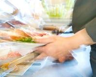 Τρόφιμα σε ένα εστιατόριο αυτοεξυπηρετήσεων Στοκ Εικόνες