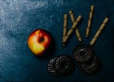 Τρόφιμα στο γραφείο Στοκ φωτογραφία με δικαίωμα ελεύθερης χρήσης