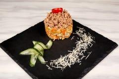 Τρόφιμα στο πιάτο στοκ εικόνα με δικαίωμα ελεύθερης χρήσης