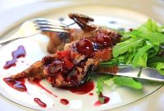 Τρόφιμα, τηγανισμένα ορτύκια, πράσινα, Στοκ Εικόνα