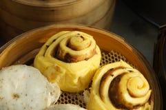 Τρόφιμα της Κίνας: βρασμένο στον ατμό γεμισμένο κουλούρι Στοκ Εικόνα