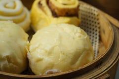 Τρόφιμα της Κίνας: βρασμένο στον ατμό γεμισμένο κουλούρι Στοκ Φωτογραφία