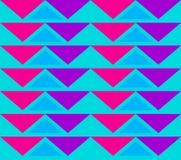 Τρύγος που κεραμώνει το άνευ ραφής σχέδιο με τα τρίγωνα Αφηρημένη αναδρομική διακόσμηση φιαγμένη από απλές γεωμετρικές μορφές διανυσματική απεικόνιση