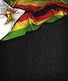 Τρύγος σημαιών της Ζιμπάμπουε σε έναν μαύρο πίνακα κιμωλίας Grunge Στοκ Φωτογραφίες
