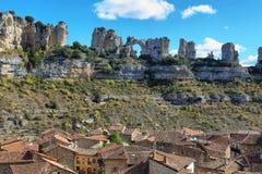 Τρύπα στο βράχο Orbaneja del Castillo, Ισπανία στοκ εικόνες