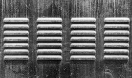 Τρύπες εξαεριστήρων ψυγείων μετάλλων για τη ροή αέρα Στοκ Φωτογραφίες