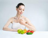 τρώγοντας τα τρόφιμα υγιή Στοκ Φωτογραφία