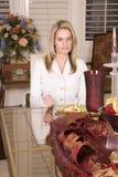 τρώγοντας τη σαλάτα σοβα&r Στοκ εικόνα με δικαίωμα ελεύθερης χρήσης