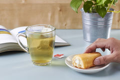 Τσάι και κέικ Στοκ Φωτογραφία