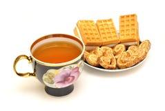 Τσάι και μπισκότα Στοκ εικόνα με δικαίωμα ελεύθερης χρήσης