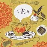 Τσάι και cupcakes. Στοκ Φωτογραφίες