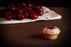 τσάι κερασιών κέικ Στοκ φωτογραφία με δικαίωμα ελεύθερης χρήσης
