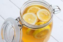 Τσάι λεμονιών μεντών στοκ φωτογραφία με δικαίωμα ελεύθερης χρήσης