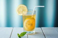 Τσάι λεμονιών μεντών στοκ εικόνες