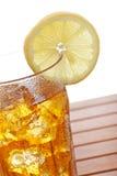 τσάι λεμονιών πάγου γυαλ&i στοκ εικόνες