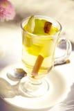Τσάι με την κανέλα Στοκ φωτογραφία με δικαίωμα ελεύθερης χρήσης