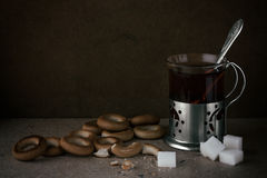 Τσάι με τους στεγνωτήρες Στοκ φωτογραφία με δικαίωμα ελεύθερης χρήσης
