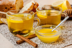Τσάι με το λεμόνι και το μέλι Στοκ εικόνα με δικαίωμα ελεύθερης χρήσης