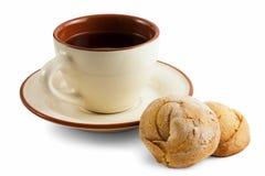 τσάι πιατακιών φλυτζανιών μ&p Στοκ φωτογραφία με δικαίωμα ελεύθερης χρήσης