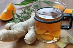 Τσάι πιπεροριζών με το πορτοκάλι Στοκ Εικόνες
