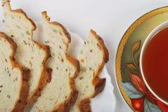 τσάι φλυτζανιών ψωμιού Στοκ φωτογραφία με δικαίωμα ελεύθερης χρήσης