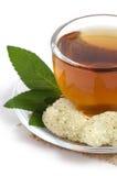 Τσάι φρούτων στο φλυτζάνι με τη μουριά Στοκ Φωτογραφία