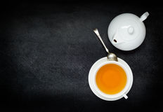 Τσάι φλυτζανιών με Teapot και αντιγράφων το διάστημα Στοκ Φωτογραφία