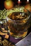 Τσάι Χριστουγέννων με τα καρυκεύματα Στοκ Εικόνα