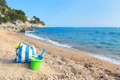 Τσάντα και παιχνίδια παραλιών στην παραλία Στοκ Εικόνα