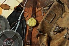 Τσάντα, ρολόι και αρχεία σε ένα αναδρομικό ύφος Στοκ εικόνες με δικαίωμα ελεύθερης χρήσης