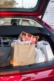 Τσάντες αγορών στο αυτοκίνητο Στοκ εικόνες με δικαίωμα ελεύθερης χρήσης