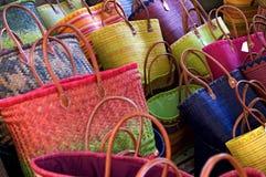 Τσάντες αχύρου αγοράς στοκ εικόνες