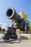 Τσάρος Ñ  annon και cannonballs στη Μόσχα Κρεμλίνο Στοκ φωτογραφία με δικαίωμα ελεύθερης χρήσης