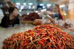 Τσίλι στην αγορά Warorot Στοκ Εικόνες