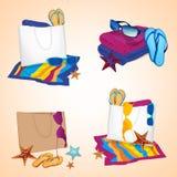 τσαντών παραλιών σανδάλια άμμου σακακιών που τίθενται διογκώσιμα Στοκ εικόνα με δικαίωμα ελεύθερης χρήσης