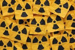 Τσαλακωμένα ραδιενεργά σημάδια Στοκ Εικόνα