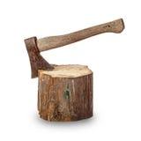 Τσεκούρι που κολλιέται παλαιό στο κούτσουρο Στοκ Φωτογραφίες