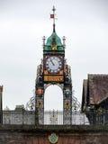 ΤΣΕΣΤΕΡ, CHESHIRE/UK - 10 ΟΚΤΩΒΡΊΟΥ: Ρολόι κέντρων της πόλης του Τσέστερ μέσα Στοκ Εικόνα
