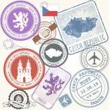 Τσεχικά γραμματόσημα ταξιδιού καθορισμένα - σύμβολα ταξιδιών της Πράγας διανυσματική απεικόνιση