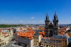 τσεχική κυρία εκκλησιών η δημοκρατία της Πράγας μας tyn Στοκ Φωτογραφία