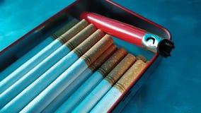 Τσιγάρα και αναπτήρας Στοκ φωτογραφία με δικαίωμα ελεύθερης χρήσης