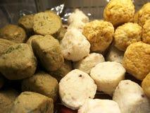 Τσιγαρισμένα ή βρασμένα στον ατμό κομματιασμένα ψάρια ή satsuma-ηλικία στοκ εικόνες