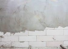 Τσιμέντο στο υπόβαθρο τουβλότοιχος τεκτονικών Στοκ εικόνα με δικαίωμα ελεύθερης χρήσης