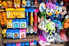 ΤΣΙΜΠΑ, ΙΑΠΩΝΙΑ - ΤΟ ΜΆΙΟ ΤΟΥ 2016: Και προϊόντα που πωλούν στο Τόκιο Disneysea που βρίσκεται σε Urayasu, Τσίμπα, Ιαπωνία Στοκ Εικόνες