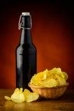Τσιπ μπύρας και πατατών Στοκ εικόνες με δικαίωμα ελεύθερης χρήσης