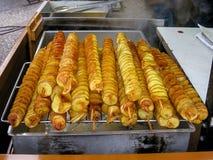 Τσιπ πατατών στα ραβδιά, Πράγα στοκ εικόνα