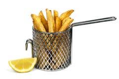 Τσιπ πατατών στο καλάθι   Στοκ Εικόνα