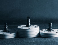 Τσιπ σκακιού και πόκερ Στοκ εικόνες με δικαίωμα ελεύθερης χρήσης