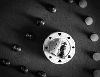 Τσιπ σκακιού και πόκερ Στοκ φωτογραφίες με δικαίωμα ελεύθερης χρήσης
